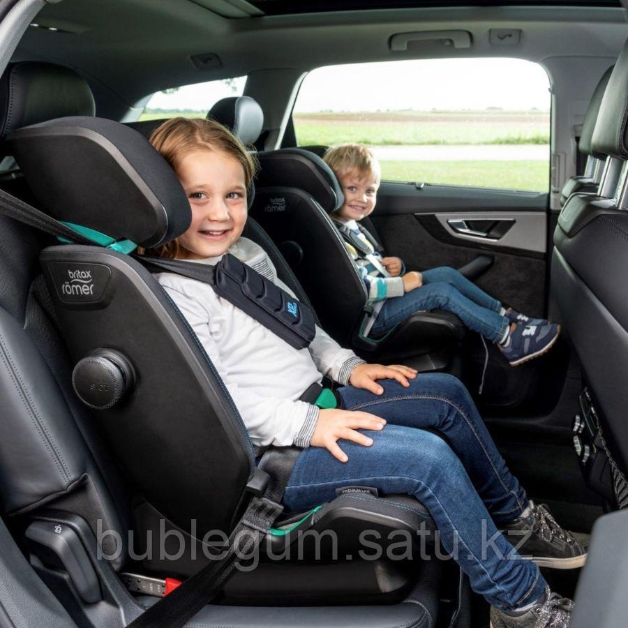 Britax Roemer: Автокресло Advansafix i-Size Storm Grey Trendline (76-150см) до 36кг 9м+