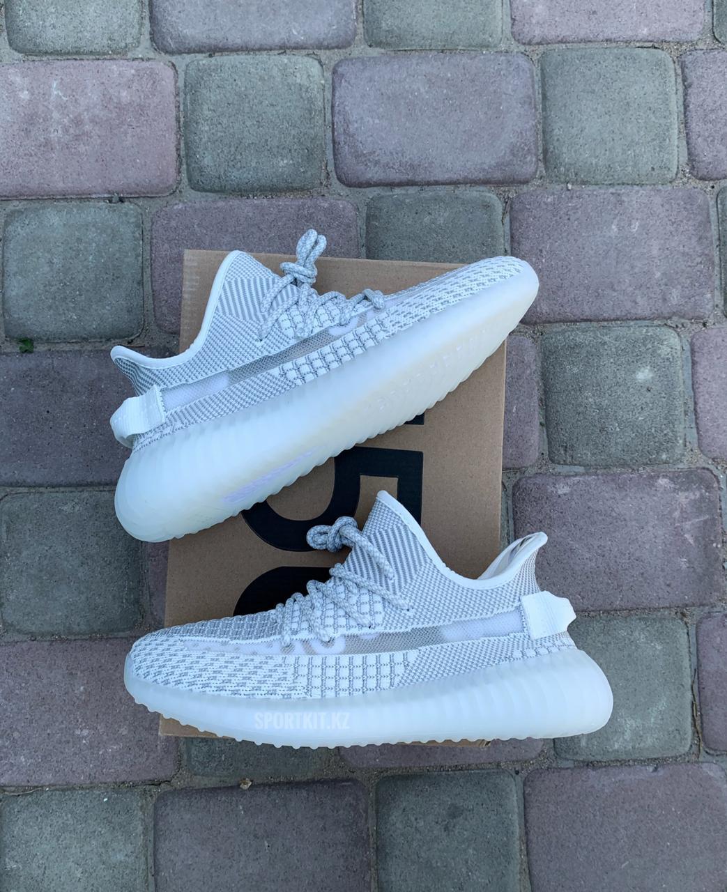 Кроссовки Adidas Yeezy сер - фото 3