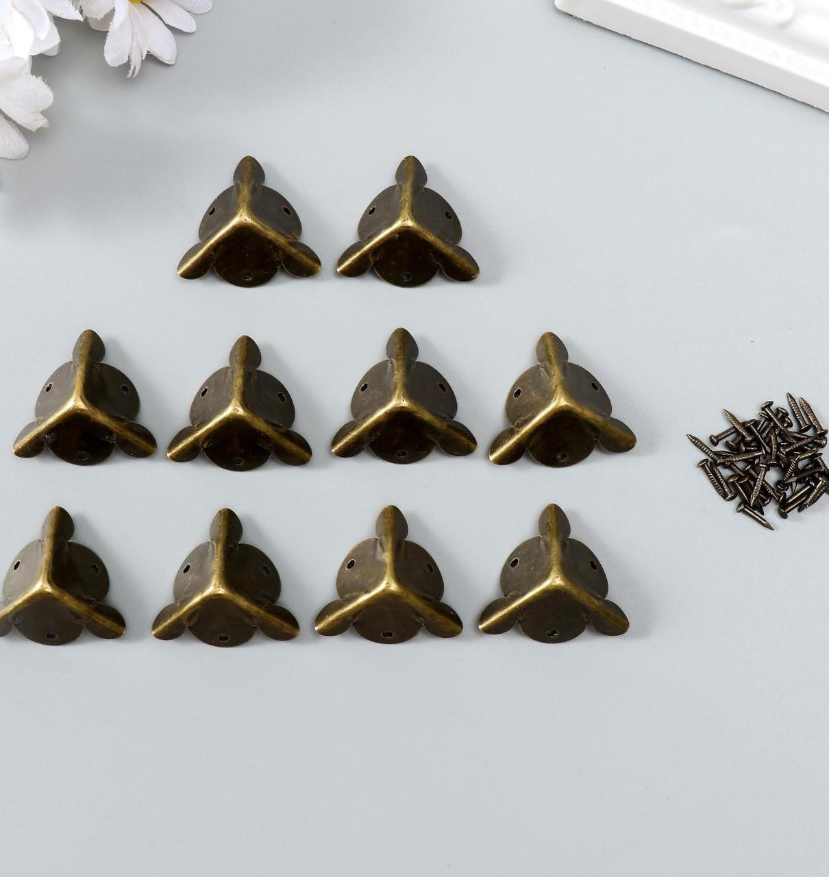 "Уголок металл ""Треугольник"" набор 10 шт+гвозд. бронза 1,8х1,8 см"