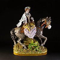 Дама на коне. Привезена из Голландии