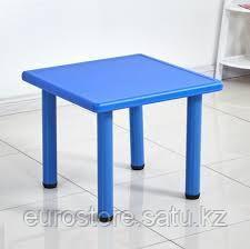 Стол детский квадратный пластиковый