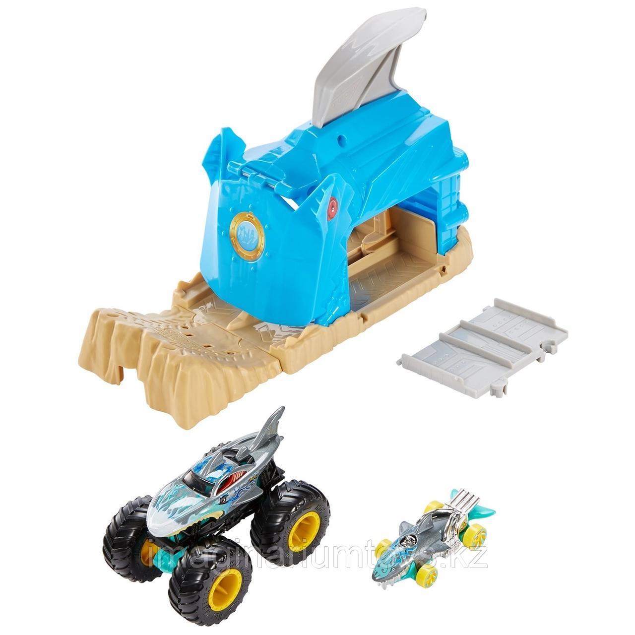 Hot Wheels игровой набор Монстр-Трак Пусковой гараж Акула