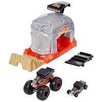 Hot Wheels игровой набор Монстр-Трак Пусковой гараж Череп, фото 1