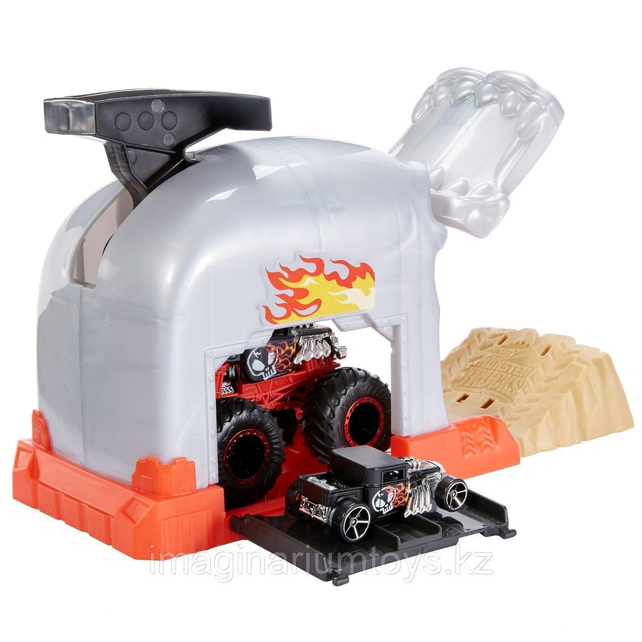Hot Wheels игровой набор Монстр-Трак Пусковой гараж Череп - фото 3