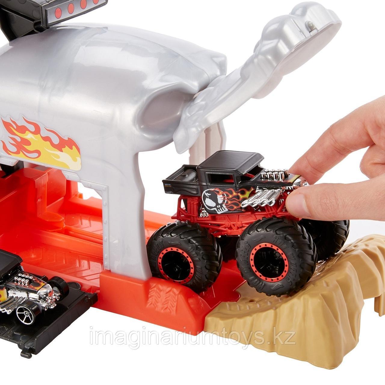 Hot Wheels игровой набор Монстр-Трак Пусковой гараж Череп - фото 6