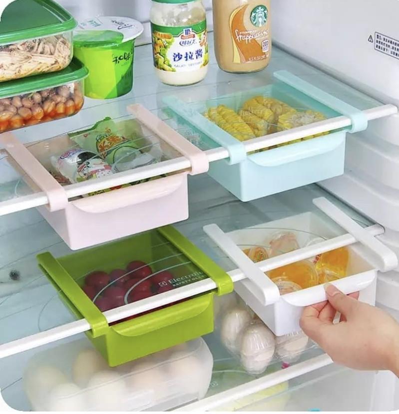 Контейнеры на полки в холодильник .