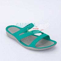 Женские бирюзовые шлепанцы CROCS Women's Swiftwater Sandal 35