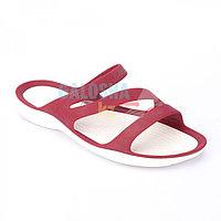 Женские бордовые шлепанцы CROCS Women's Swiftwater Sandal