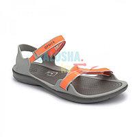 Женские сандалии оранжевого цвета CROCS Women s Swiftwater Webbing Sandal 36 (W6)