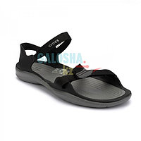 Женские сандалии черного цвета CROCS Women s Swiftwater Webbing Sandal