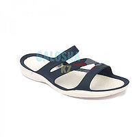 Женские темно-синие шлепацы CROCS Women's Swiftwater Sandal 37