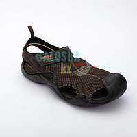 Мужские сандалии коричневого цвета CROCS Men s Swiftwater Mesh Deck Sandal 45