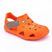 Оранжевые сандалии Crocs Kids Swift water Wave Sandal 26 (C9)