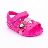 Розовые сандалии для девочек CROCS Kids' Keeley Charm Sandal