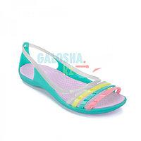 Женские сандалии зеленого цвета CROCS Women s Isabella Huarache Flat