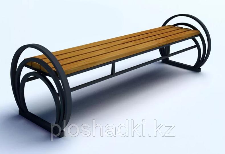 Скамейка с полукруглыми подлокотниками