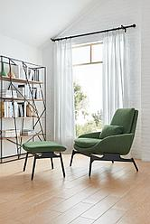 Офисное кресло с пуфом