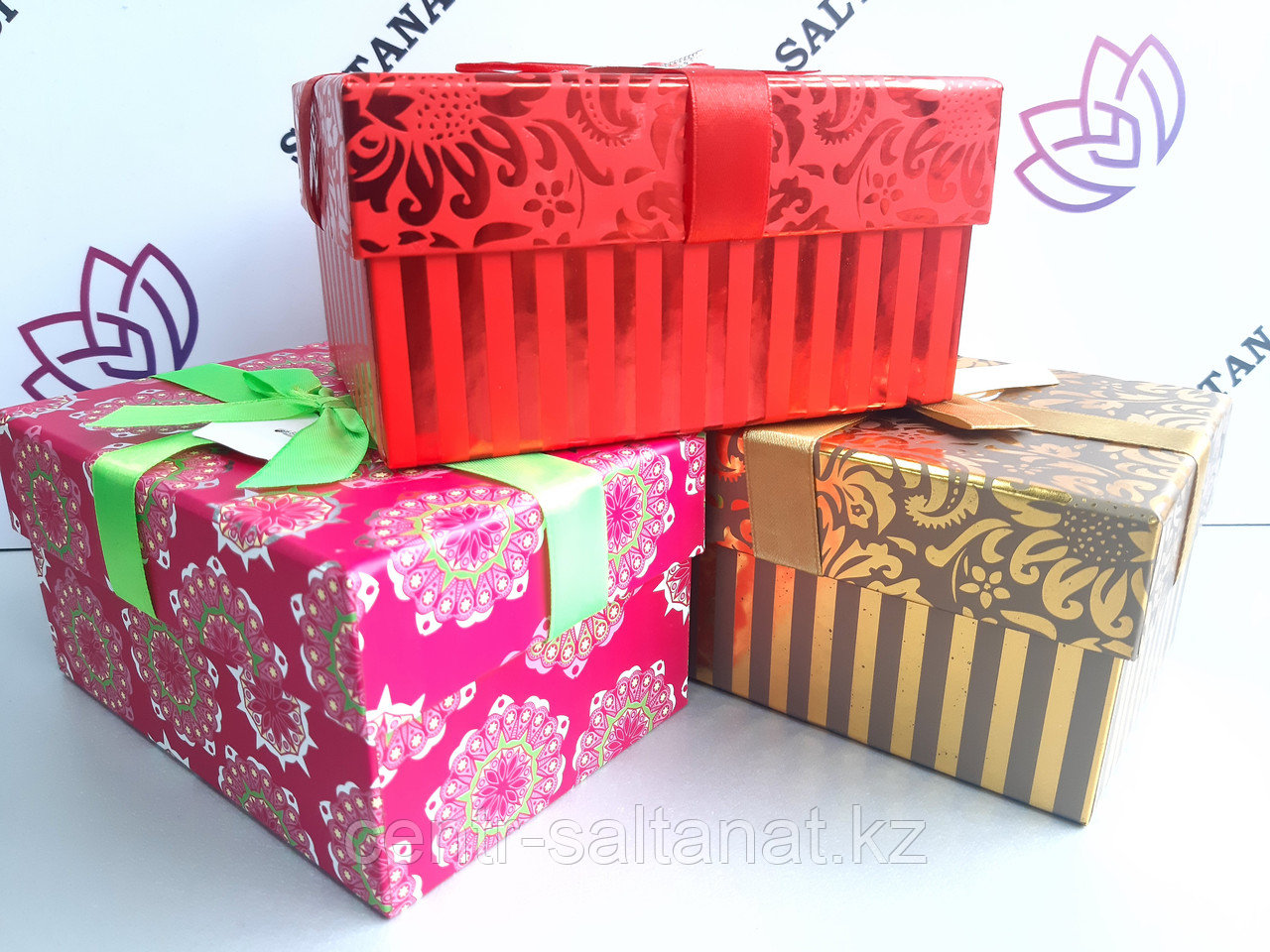 Подарочная коробка бокс
