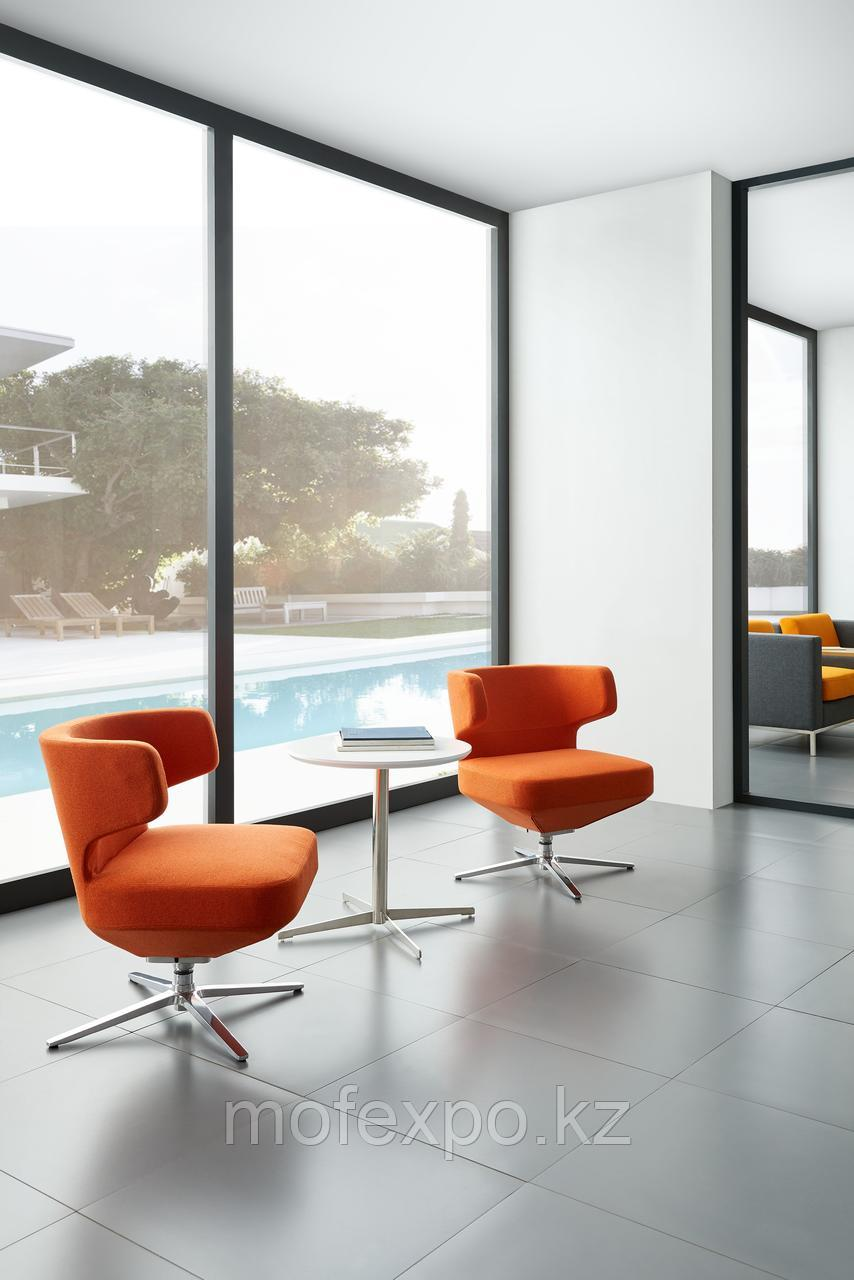 Мягкое офисное кресло