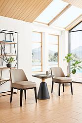 Кресло офисное на металлических ножках