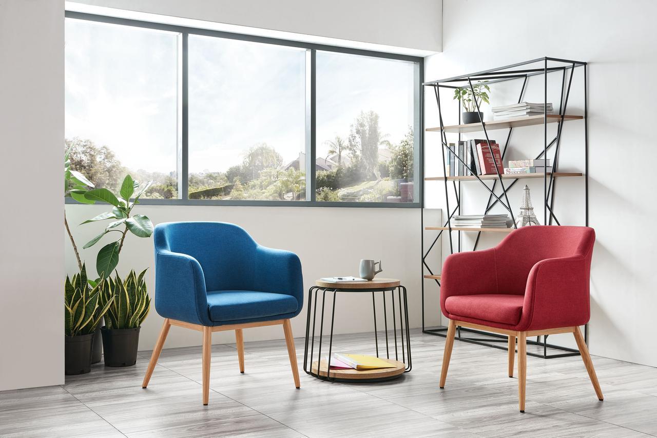 Дизайнерское офисное кресло серое