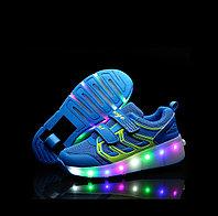 Роликовые кроссовки со светящейся подошвой