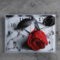 """Часы настенные, серия: Цветы, """"Красная роза на сером"""", 30х40 см, микс"""
