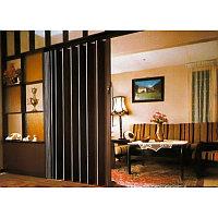 Межкомнатная дверь «Гармошка» коричневая