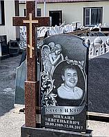 Гранитный памятник с крестом черный Шанси
