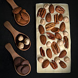 Белый шоколад ручной работы с миндалем, фундуком и орехом пекан, фото 2