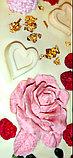 Белый шоколад ручной работы с клубникой, малиной, фисташками и пищевым золотом, фото 3
