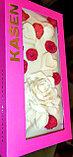 Белый шоколад ручной работы с клубникой, малиной, фисташками и пищевым золотом, фото 4