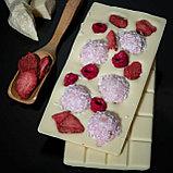 Белый шоколад ручной работы с клубникой, малиной и рафаэлло, фото 2