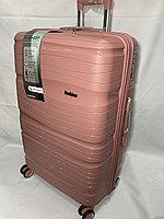 """Большой пластиковый дорожный чемодан на 4-х колесах""""Delong"""". Высота 53 см, ширина 35 см, глубина 22 см., фото 1"""