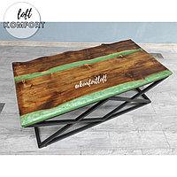 Журнальный стол-река с зелёной перламутровой заливкой