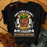 "Футболка с принтом ""Three things you don't mess with my family, my freedom, my German shepherd"""
