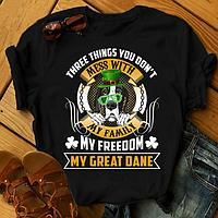 "Футболка с принтом ""Three things you don't mess with my family, my freedom, my Great dane"""