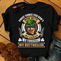 "Футболка с принтом ""Three things you don't mess with my family, my freedom, my Rottweiler"""