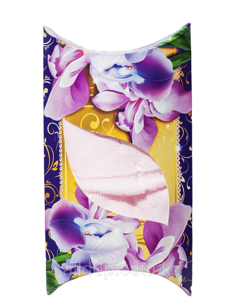 Полотенце в подарочной упаковке (розового цвета), 48 см