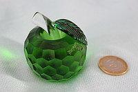 Яблоко из стекла