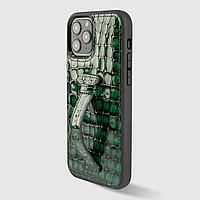 Чехол для телефона iPhone 12/12 Pro с ремешком-держателем зелёный