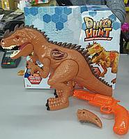 Dragon 10549 Охота на динозавра, Индоминус Рекс с бластером для охоты