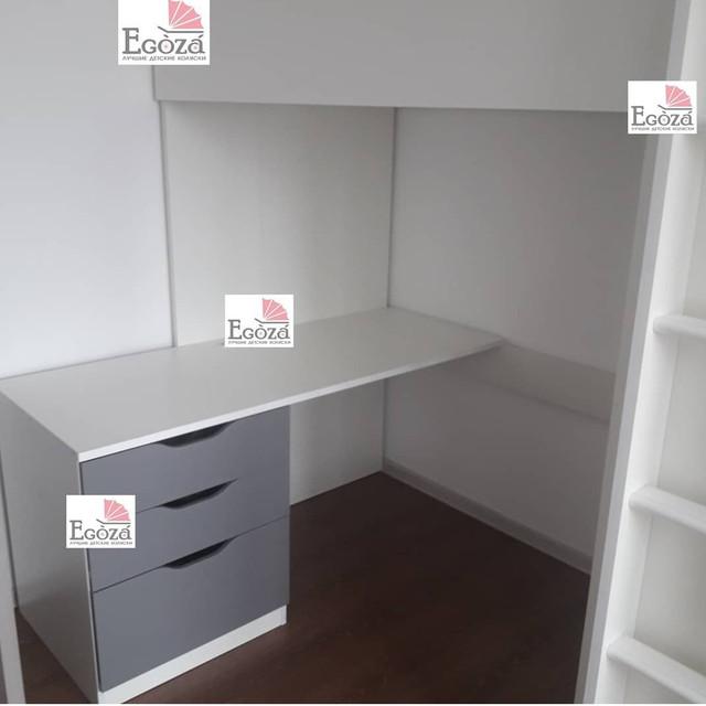 Кровать чердак Polini Simple со столом и шкафом белый/серый