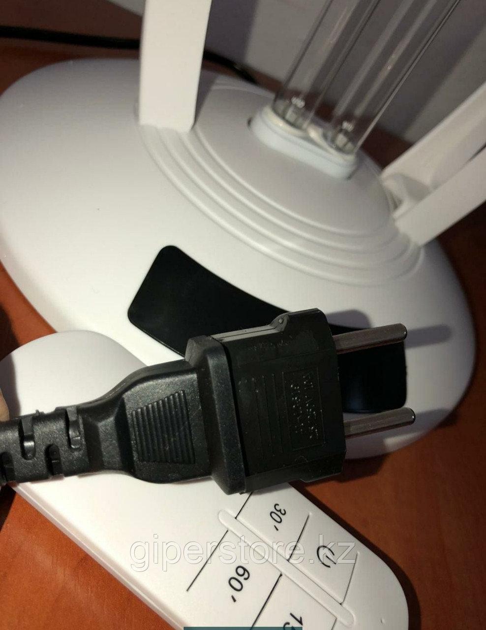 Кварцевая лампа для обеззараживания помещений, бактерицидная настольная лампа с пультом управления.