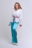 Белая рубашка, слегка оверсайз, с кокеткой на спине