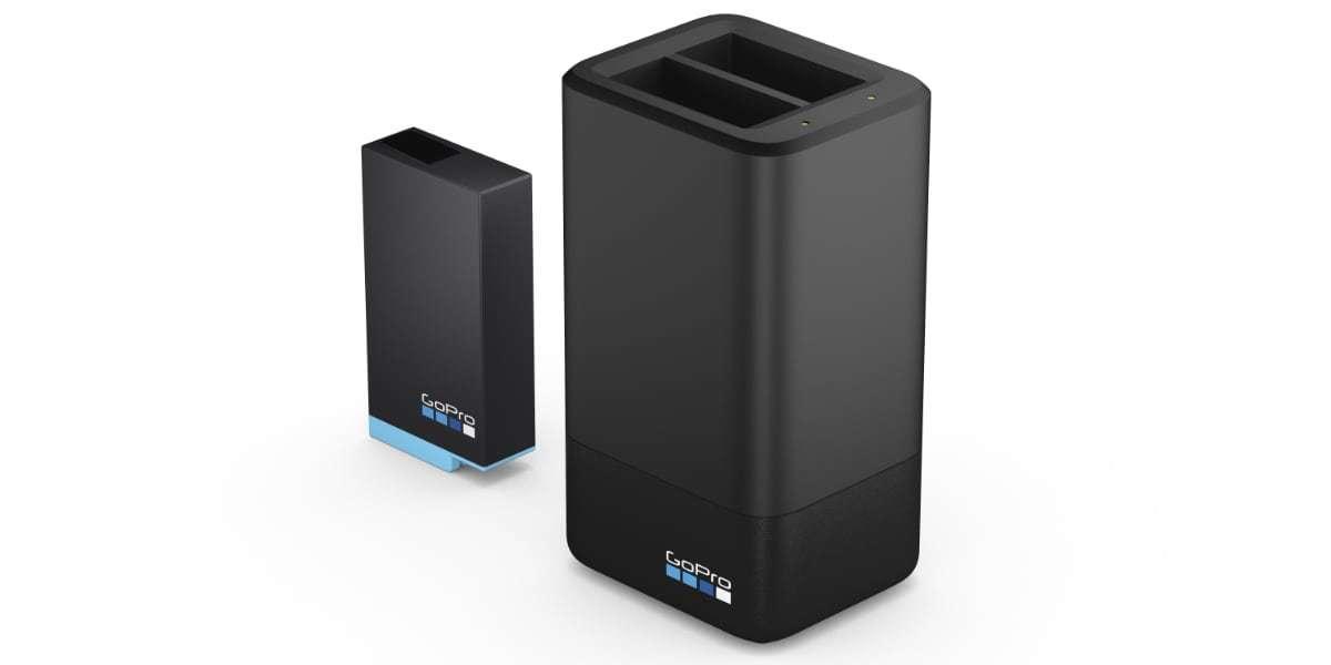 Зарядное устройство для двух аккумуляторных батарей MAX GoPro ACDBD-001-EU