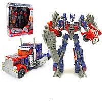 Робот - Трансформер Оптимус Прайм.