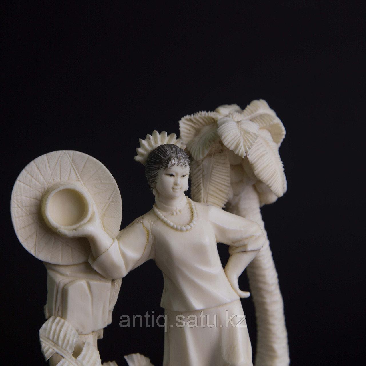 Окимоно из слоновой кости «Летнее фото» Япония, первая половина ХХ века. - фото 5