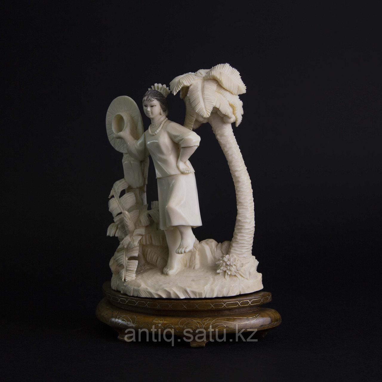 Окимоно из слоновой кости «Летнее фото» Япония, первая половина ХХ века. - фото 6