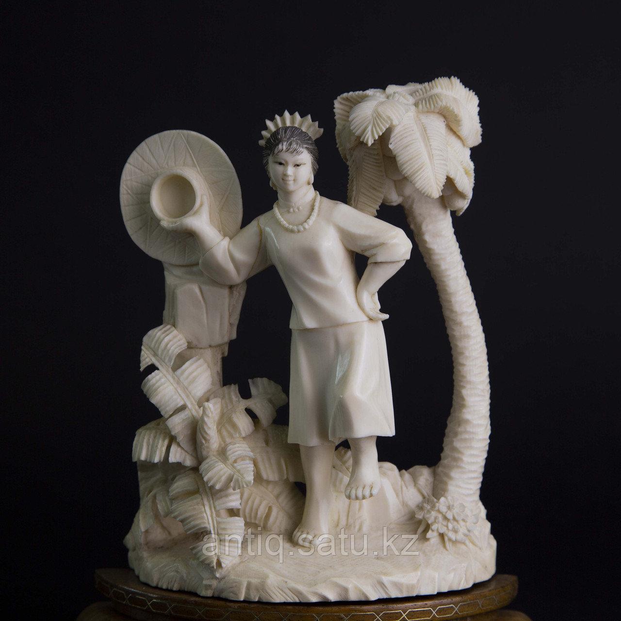 Окимоно из слоновой кости «Летнее фото» Япония, первая половина ХХ века. - фото 8